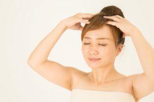 頭皮マッサージ の方法と薄毛のツボ